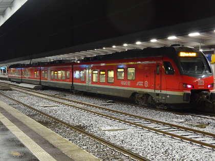 RE42 im Essener HBF in Richtung Münster/Westfalen Hauptbahnhof am Mittwoch 23.01.2019